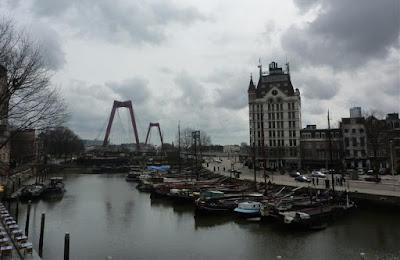 Muelle de Oudehaven y la Casa Blanca de Rotterdam