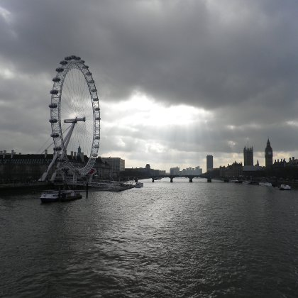 the London Eye and the Houses of Parliament, Millennium Wheel, Palace of Westminster