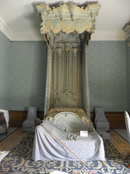 bed in the blue bedchamber at Belton House