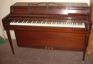 Uhuru Furniture & Collectibles: Nice Wurlitzer Piano - SOLD!