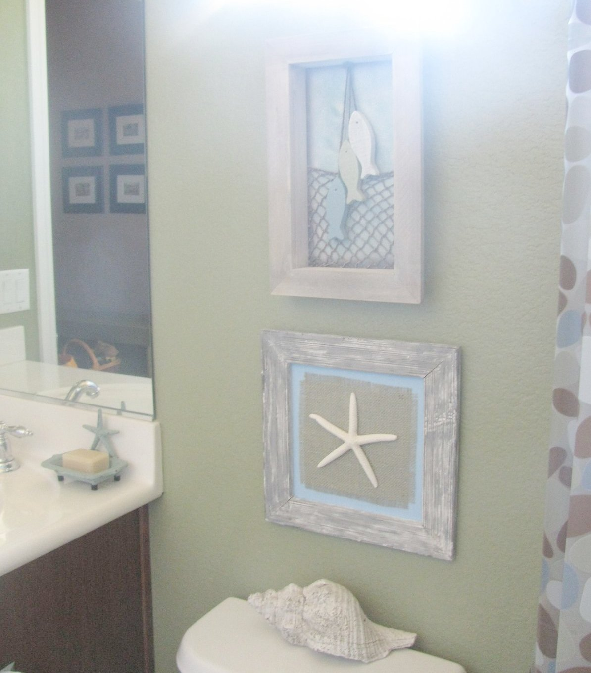 Amazing Beach Themed Bathroom Decoration The Reason This Photo Is All Blurry At The Top Is There Is A Square