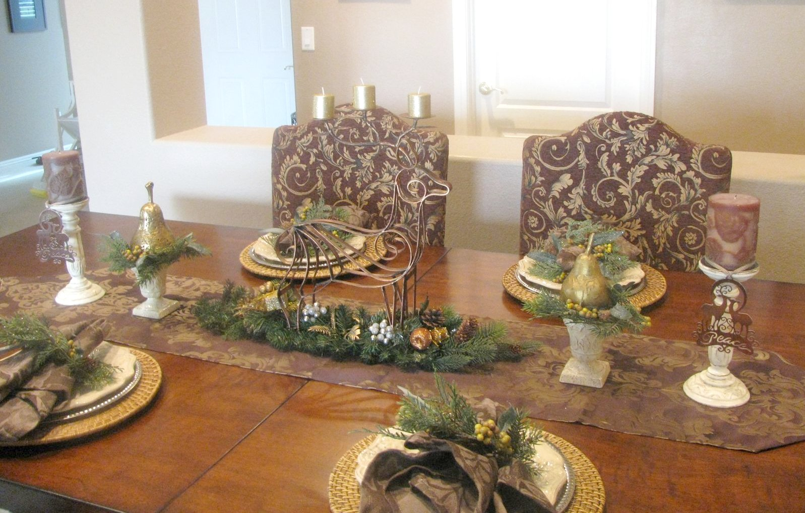 Fern Creek Cottage Brown And Gold Christmas Tablescape
