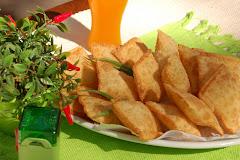 Porção de Pastéis de Jacaré
