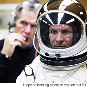 Felix Baumgartner to set a skydive world record,skydive world record 2010