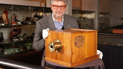 World's oldest and most expensive camera set world record,world oldest camera photo,world oldest camera picture