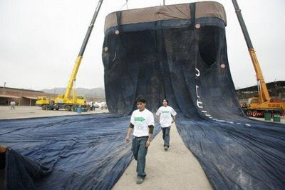World's Largest Jeans picture, World's Largest Jeans images, World's Largest Jeans photo, World's Largest Jeans pics, peru jeans picture, peru jeans photo,  peru jeans images, World's Largest Jeans video