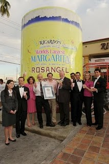 World's Largest pink Margarita Guinness Record, World's Largest pink Margarita 2011, World's Biggest Pink Margarita photo, Ricardo's Mexican Restaurant Biggest Pink Margarita, Ricardo's Mexican Restaurant Guinness World Record