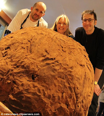 World's largest brandy truffle photo, World's largest brandy truffle picture, D'Aniello and head chef Chris Guinness World Records 2011, National Chocolate Week