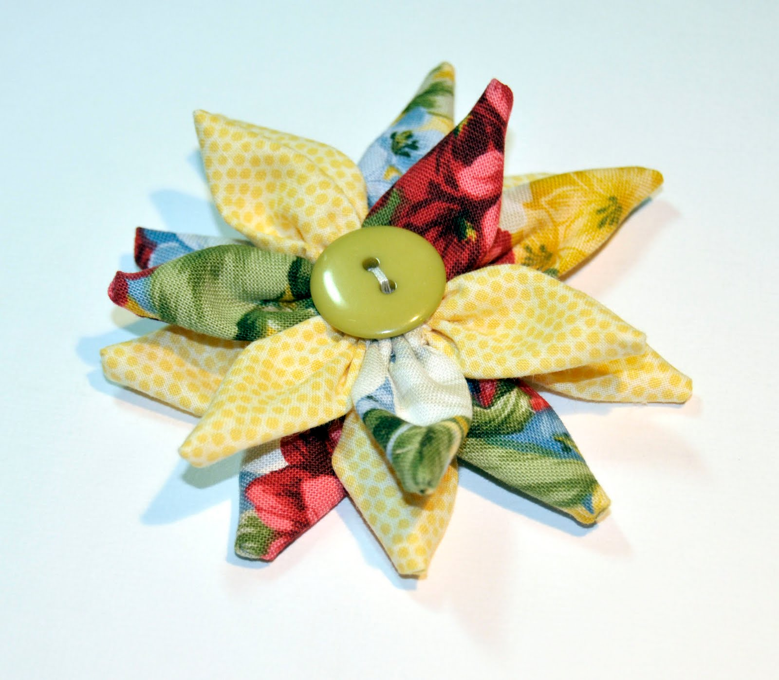 how to make flowers out of fabric scraps