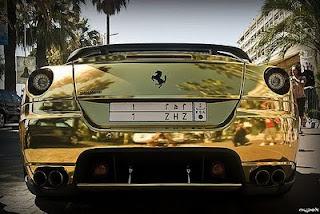 carros-ferrari-ouro-5