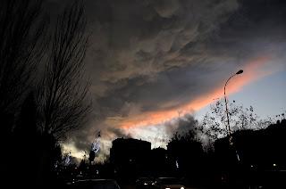 Formacion nubosa mamatus.Tres Cantos tarde del 22-12-09