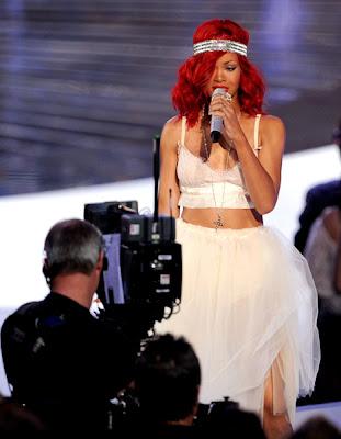Nicki Minajpart Special on Urban Fashion Blog  Lady Gaga  Nicki Minaj  Rihanna Mtv Vma S 2010
