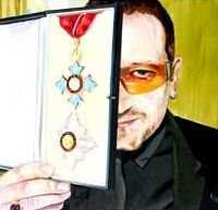 David Nolan - Bono showing his Honorary Knighthood (2007)