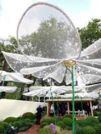 Mesh Flower Sculptures (2008)