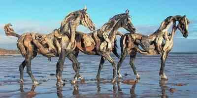 Heather Jansch - Driftwood Horses