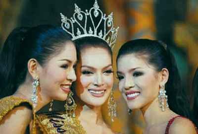 Writtorn Narapaipimol, Sorrawee Nattee and Napatsawan Cholakorn, Miss Tiffany's Universe 2009