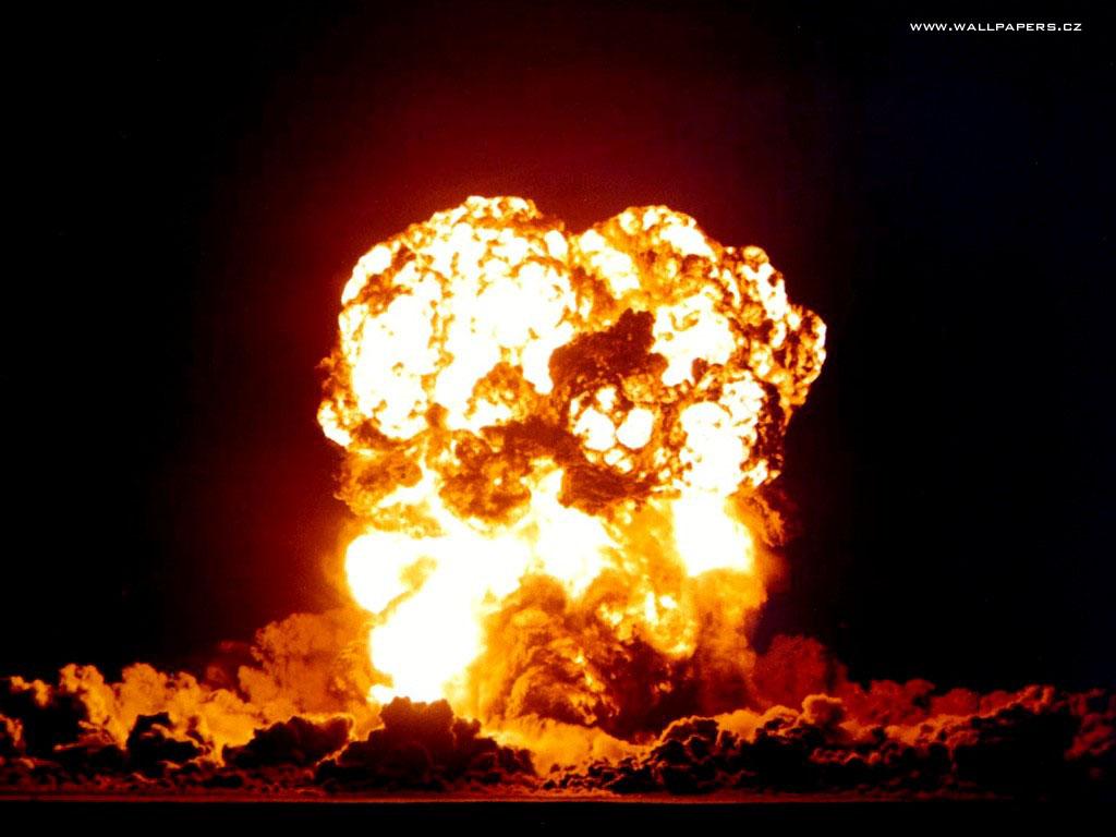 http://3.bp.blogspot.com/_kKT7ONBI8_c/TQA6RNSIPJI/AAAAAAAAAIA/mQLrNGrKnkY/s1600/huge-fire-wallpaper.jpg