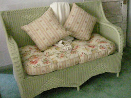 free vintage wicker love seat