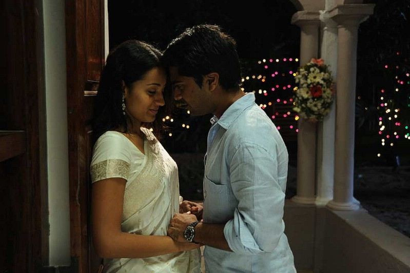Vinnai Thaandi Varuvaaya : A Different Love Story ...
