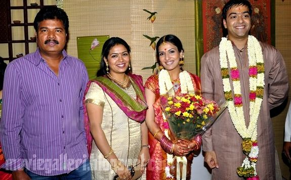 Soundarya Rajinikanth Engagement shankar and family
