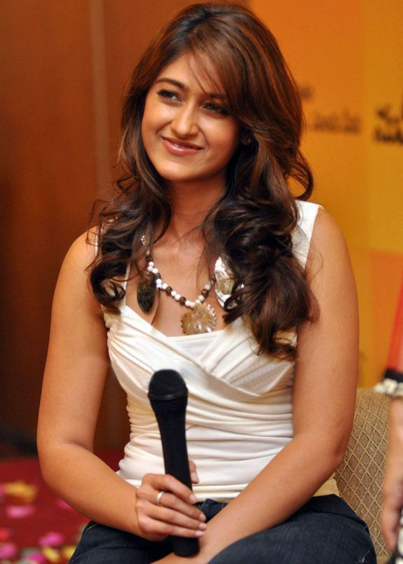 [ileana-dcurz-latest-hot-photos-03.jpg]