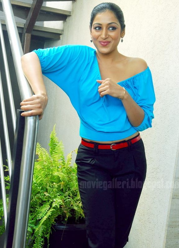 [Padmapriya-Latest-hot-pics-photos-stills-pictures-03.jpg]