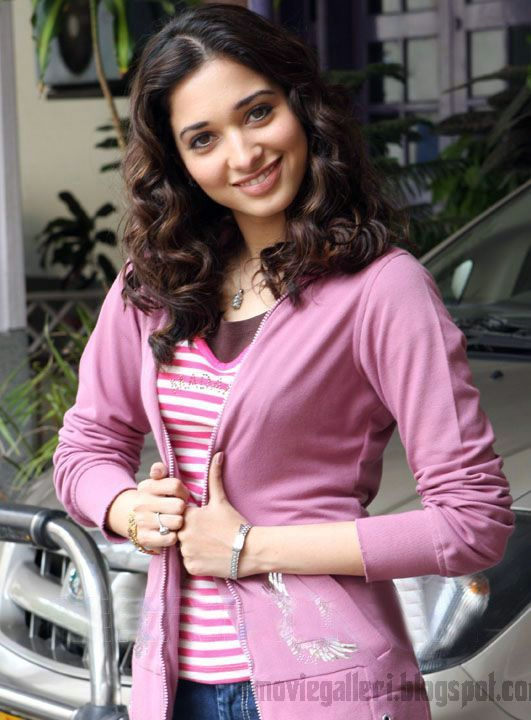 [Tamanna-Bhatia-Latest-Hot-Pics-stills-photos-04.jpg]