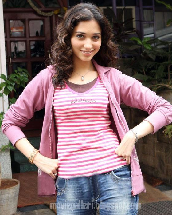 [Tamanna-Bhatia-Latest-Hot-Pics-stills-photos-03.jpg]