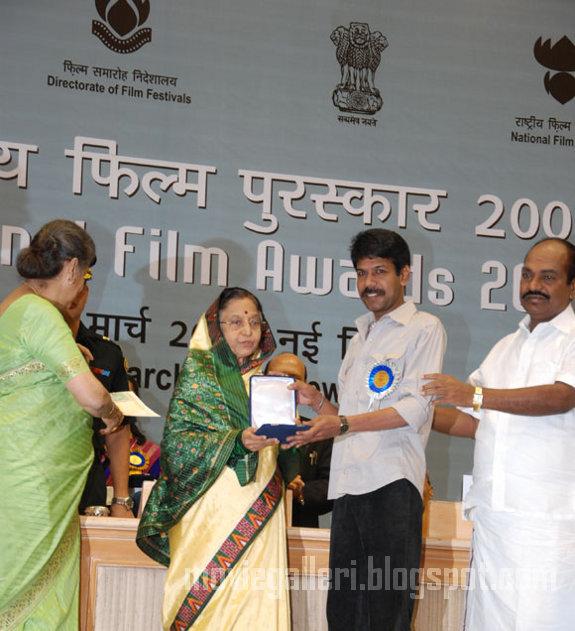 [bala-56th-National-Awards-2010-stills-03.jpg]