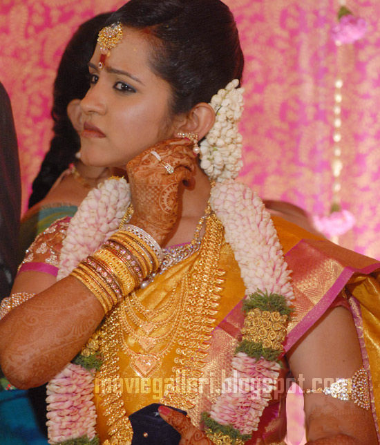 [Durai-Dayanidhi-Azhagiri-Engagement-Stills-07.jpg]