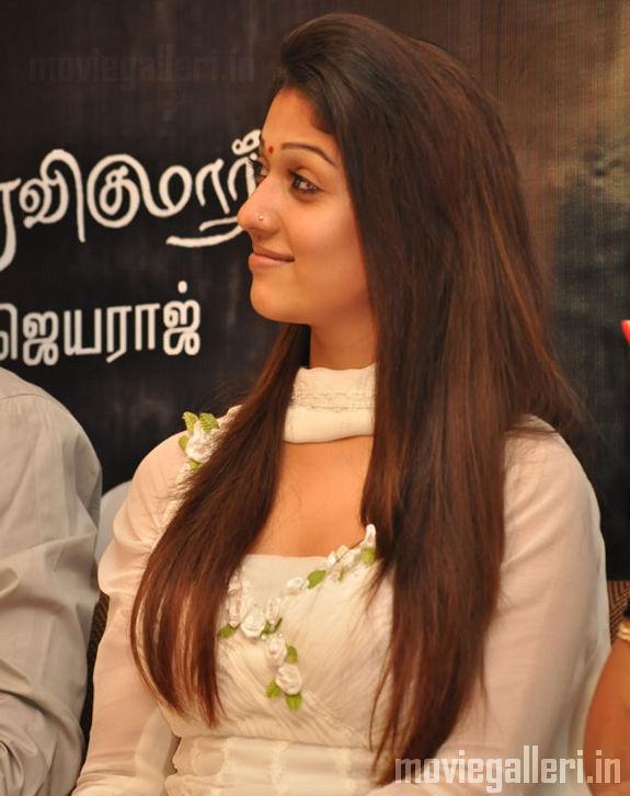 [Nayanthara-Aadhavan-100-Days-event-stills-08.jpg]