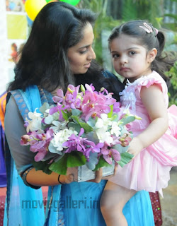 ajith shalini anoushka latest photos