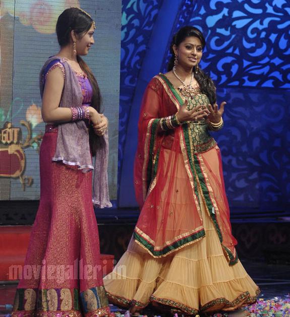 Sneha At Vijay Tv Azhagiya Tamizh Magan Show Stills S Pictures