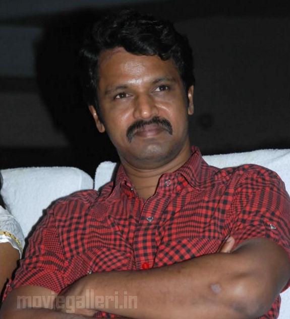 http://3.bp.blogspot.com/_kLvzpyZm7zM/S9WoJ_wMkxI/AAAAAAAAKis/qjSgrH1UyxA/s1600/Revathy-Harita-dhananjayan-Bharathanatyam-arangetram-11.jpg