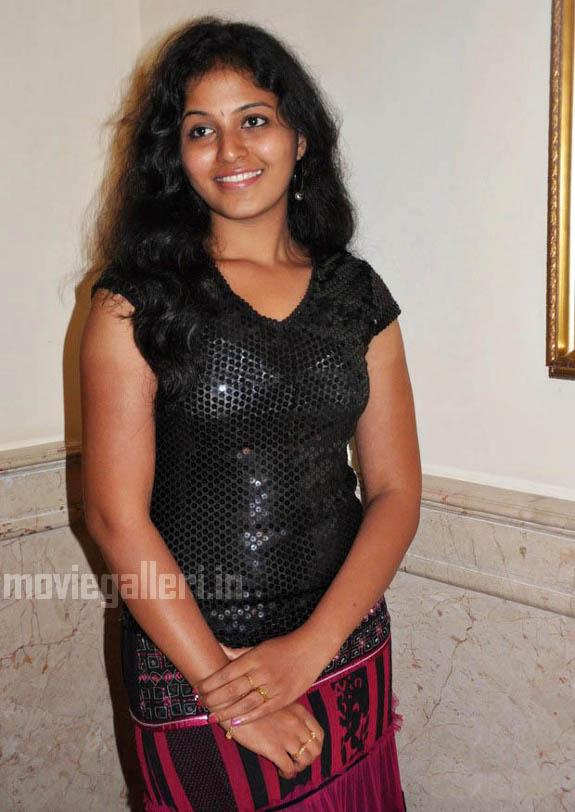 http://3.bp.blogspot.com/_kLvzpyZm7zM/S9hNJPM8tQI/AAAAAAAAKv8/ine_p8qc4d0/s1600/tamil-actress-anjali-hot-stills-photos-pics-04.jpg