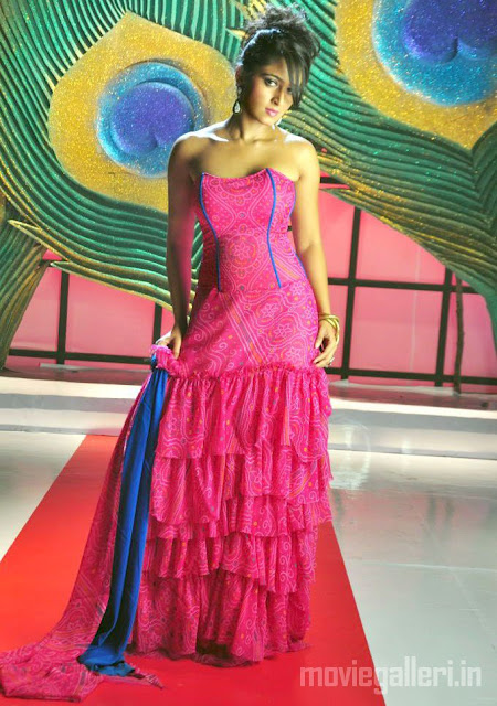 Anushka in Pink Gown