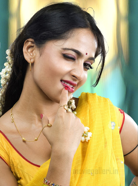 Anuska-South Hot cake-cute saree gallery for Anuska Lovers | New ...