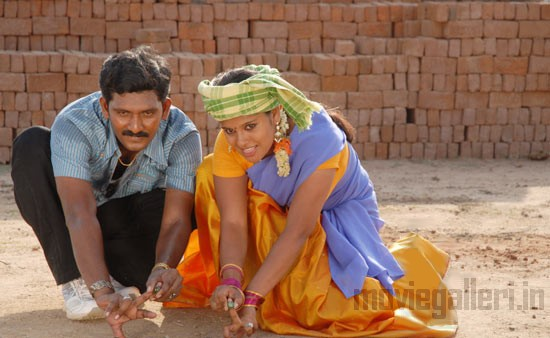 http://3.bp.blogspot.com/_kLvzpyZm7zM/TCwVxa0jgXI/AAAAAAAAQm0/DYVW48MZEMU/s1600/munnavar_tamil_movie_stills_photos_04.jpg