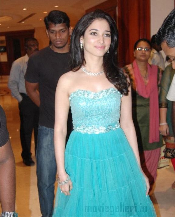 http://3.bp.blogspot.com/_kLvzpyZm7zM/TDVv5iplszI/AAAAAAAARN4/Yg1oae5Pfk0/s1600/Tamanna_Filmfare_Awards_Stills_02.jpg
