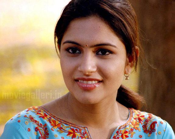 http://3.bp.blogspot.com/_kLvzpyZm7zM/TEfxPSzsBcI/AAAAAAAAS8I/-HPFeWbeWpI/s1600/Actress_Sonu_Chandrapaul_Stills_06.jpg