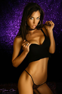 hot mature woman model - laura