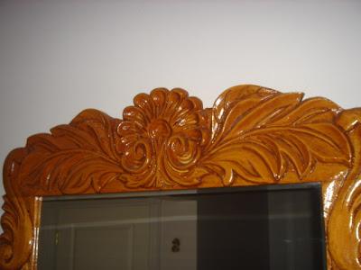 Reflexiones y toda cosa interesante: Muebles tallados en madera