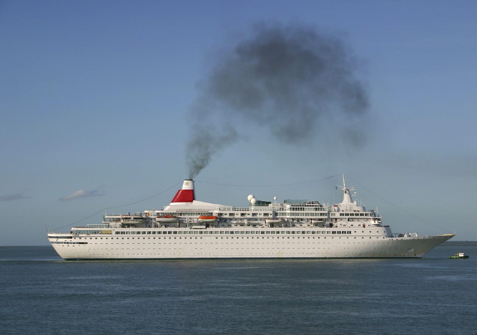 http://3.bp.blogspot.com/_kMkPsXy2RCs/TMeJ_ZtF0OI/AAAAAAAAFdE/NMehHnnXd64/s1600/cruise+ship+employment05.jpg