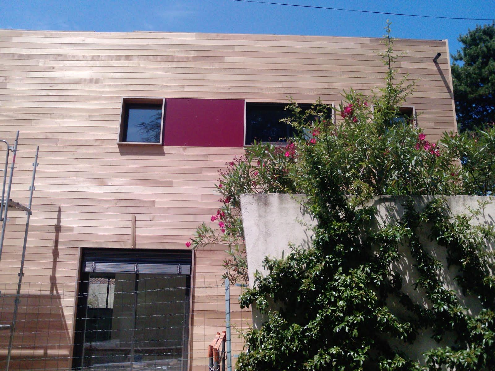 sur l vation d 39 une maison en bois romans sur isere la fa ade est ok. Black Bedroom Furniture Sets. Home Design Ideas