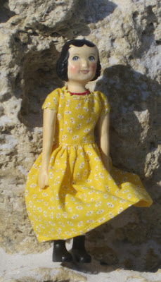 Gale Lyons Hitty Flora Doll at the Naples Beach 2010