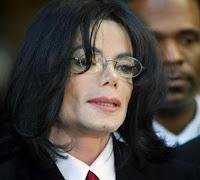 Michael Jackson: sepoltura segreta e castrazione chimica?
