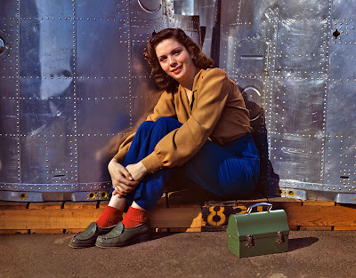 1940s Fashion - Womens Dress Code during the War - Rosie the Riveter