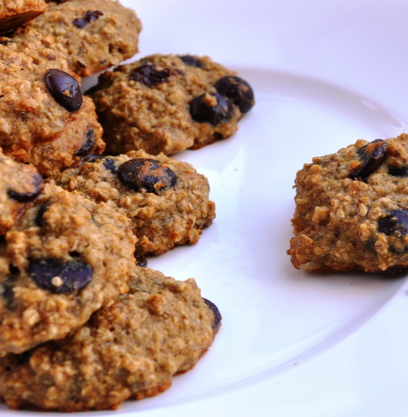 Banana Oatmeal Chip Cookies... made with Agave! (103 Calories) - Honey ...
