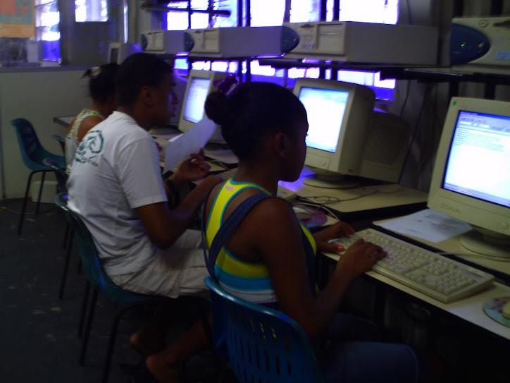 O CIASEC, oferece oficinas na área de informática: Montagem Manutenção, Pacote Oficce