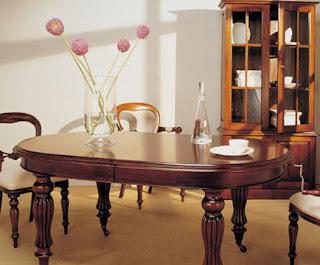 Decoraci n tendencias en estilo cl sico c mo decorar un - Como decorar una mesa grande de salon ...